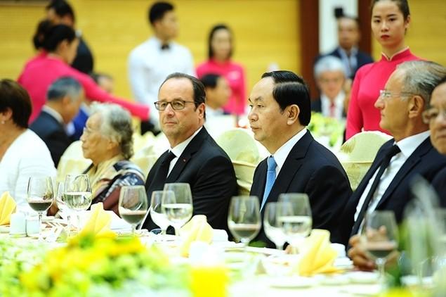 Một ngày của tổng thống Pháp tại Hà Nội - ảnh 6