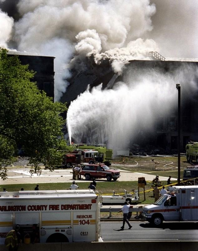 Ảnh chưa từng công bố về Lầu Năm Góc sau sự kiện 11/9 - ảnh 1
