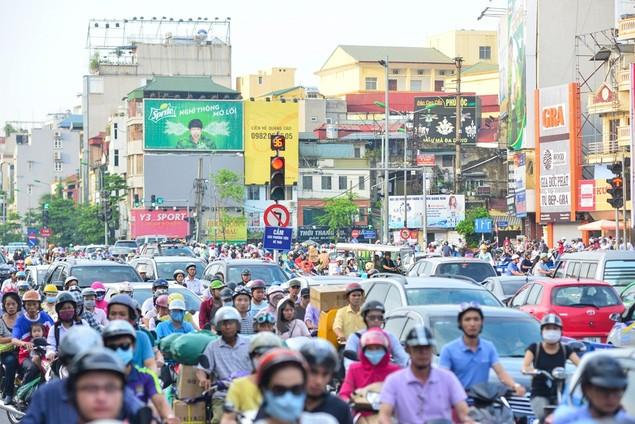 Những hình ảnh tắc đường kinh hoàng ở Thủ đô Hà Nội - ảnh 5