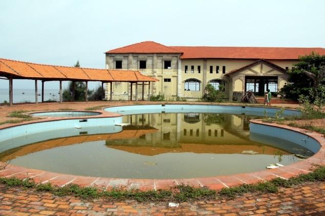 Biệt thự, resort cao cấp bỏ hoang ở ven biển Bình Thuận - ảnh 1
