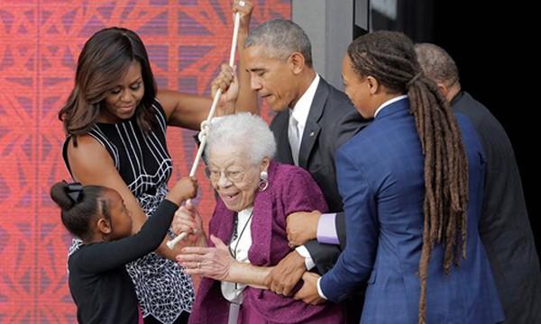 Tổng thống Obama khánh thành bảo tàng lịch sử Mỹ - Phi - ảnh 1