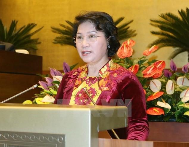 Chủ tịch Quốc hội rời Hà Nội, lên đường thăm hữu nghị chính thức Lào - ảnh 1
