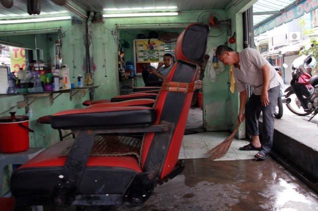 18 giờ sau trận mưa lịch sử, Sài Gòn vẫn chìm trong nước - ảnh 11