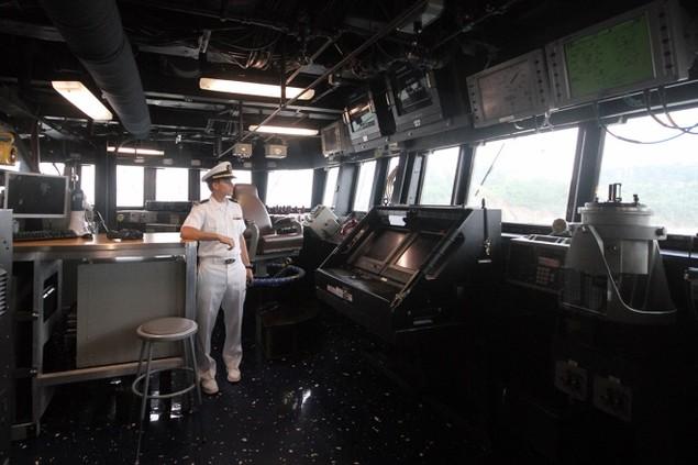Khí tài hiện đại trên tàu tên lửa của Mỹ thăm Đà Nẵng - ảnh 4