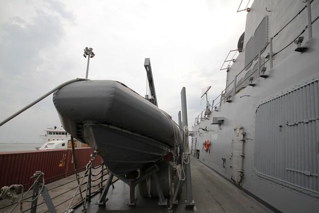 Khí tài hiện đại trên tàu tên lửa của Mỹ thăm Đà Nẵng - ảnh 13