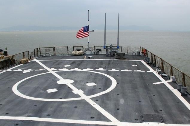 Khí tài hiện đại trên tàu tên lửa của Mỹ thăm Đà Nẵng - ảnh 14