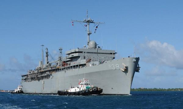 Tàu tên lửa dẫn đường Mỹ lần đầu thăm vịnh Cam Ranh - ảnh 1