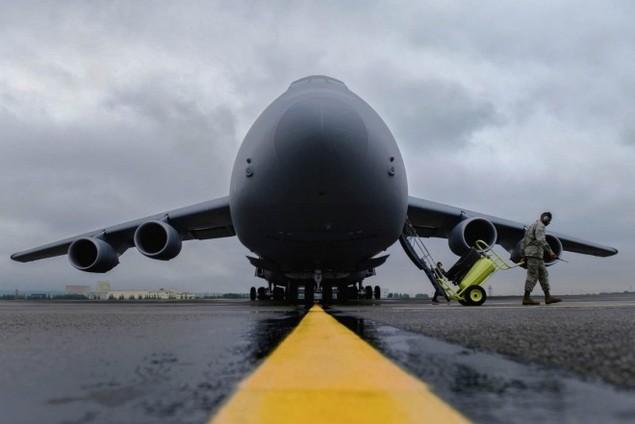 Chiếc vận tải cơ có thể nuốt trọn cường kích A-10 của Mỹ - ảnh 1