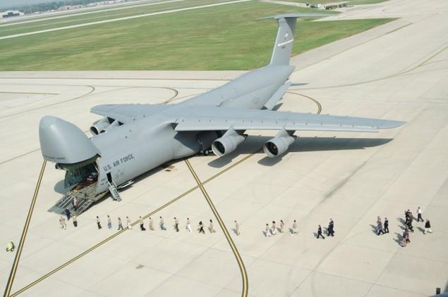 Chiếc vận tải cơ có thể nuốt trọn cường kích A-10 của Mỹ - ảnh 2