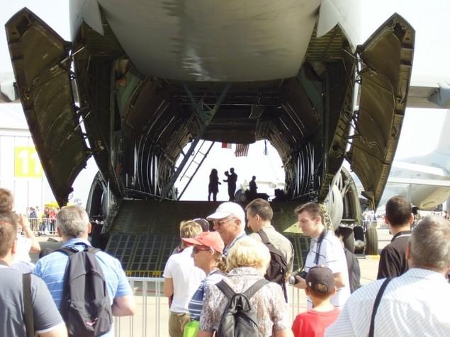 Chiếc vận tải cơ có thể nuốt trọn cường kích A-10 của Mỹ - ảnh 4