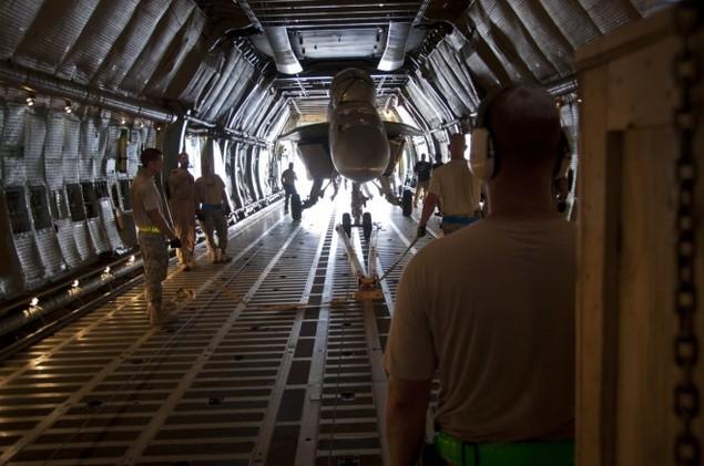 Chiếc vận tải cơ có thể nuốt trọn cường kích A-10 của Mỹ - ảnh 7
