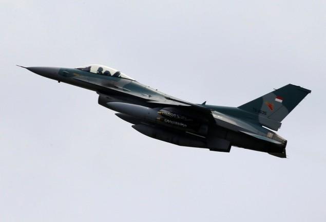 Tổng thống Indonesia lên chiến đấu cơ Sukhoi ở Biển Đông - ảnh 6