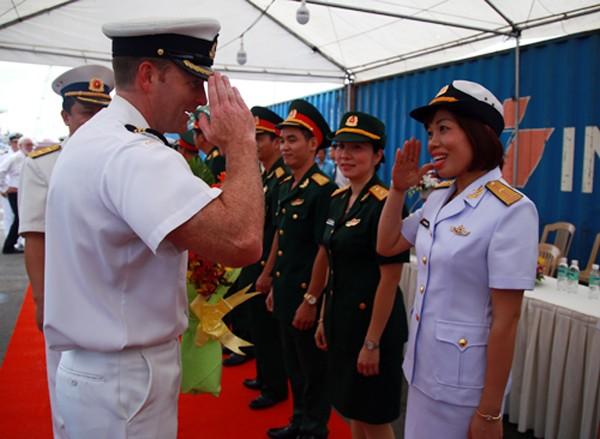 Chiến hạm của Hải quân Canada đến cảng Sài Gòn - ảnh 1