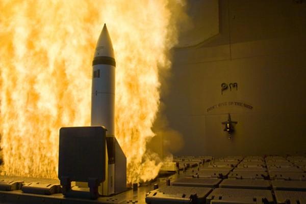 Tàu chiến Mỹ ngoài khơi Yemen phóng tên lửa vì báo động giả - ảnh 1