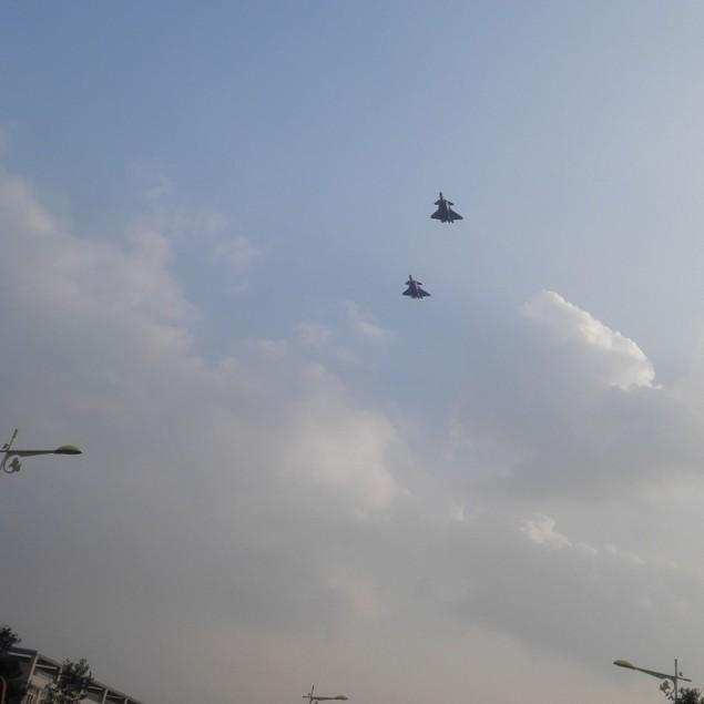 Tiêm kích tàng hình Trung Quốc lần đầu bay theo đội hình - ảnh 1