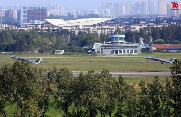 Tiêm kích tàng hình Trung Quốc lần đầu bay theo đội hình - ảnh 2