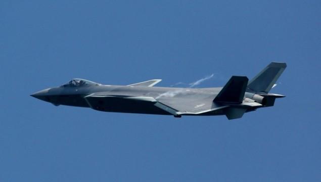 Tiêm kích tàng hình Trung Quốc lần đầu bay theo đội hình - ảnh 5