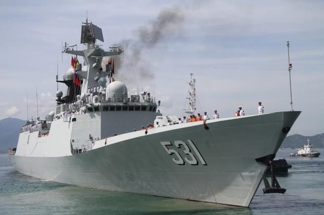 3 chiến hạm Hải quân Trung Quốc cập cảng Cam Ranh - ảnh 1
