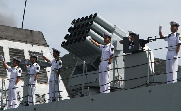 3 chiến hạm Hải quân Trung Quốc cập cảng Cam Ranh - ảnh 8
