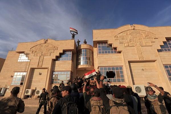 Thế 'tiến thoái lưỡng nan' của người dân tại chảo lửa Mosul - ảnh 2