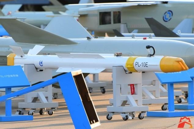 Trung Quốc khoe dàn tên lửa tối tân tại triển lãm hàng không Chu Hải - ảnh 8