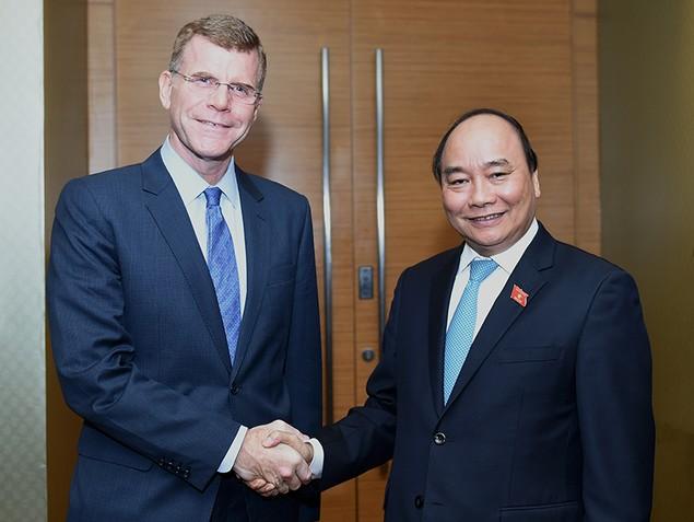 Thủ tướng tiếp Phó Chủ tịch ADB - ảnh 1