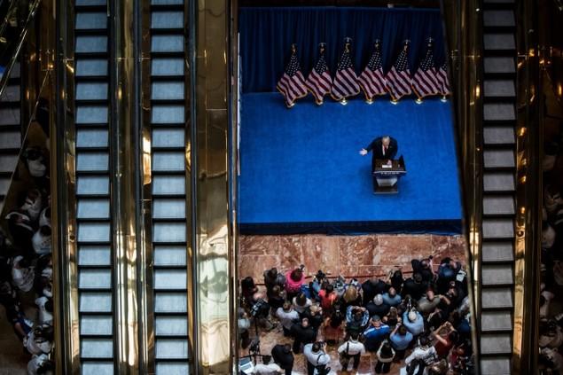 Những khoảnh khắc ấn tượng trong mùa bầu cử tổng thống Mỹ - ảnh 1