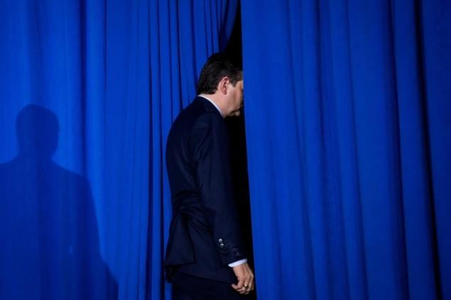 Những khoảnh khắc ấn tượng trong mùa bầu cử tổng thống Mỹ - ảnh 3