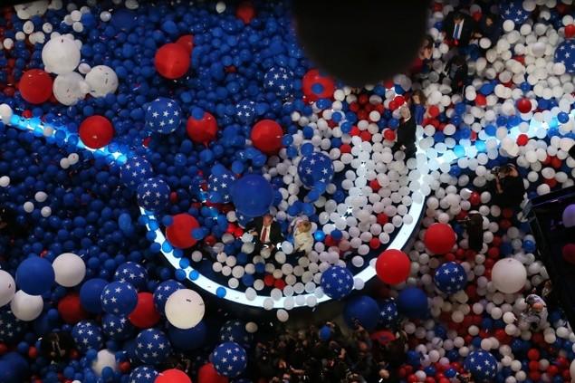Những khoảnh khắc ấn tượng trong mùa bầu cử tổng thống Mỹ - ảnh 7
