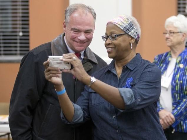 Cử tri Mỹ chụp ảnh 'tự sướng' trong ngày bầu cử - ảnh 4