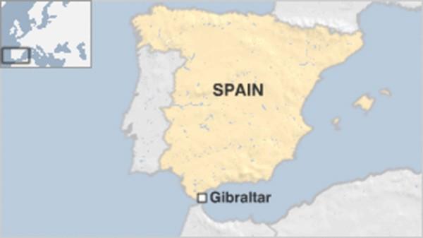 Hải quân Anh bắn pháo sáng đuổi tàu Tây Ban Nha - ảnh 1
