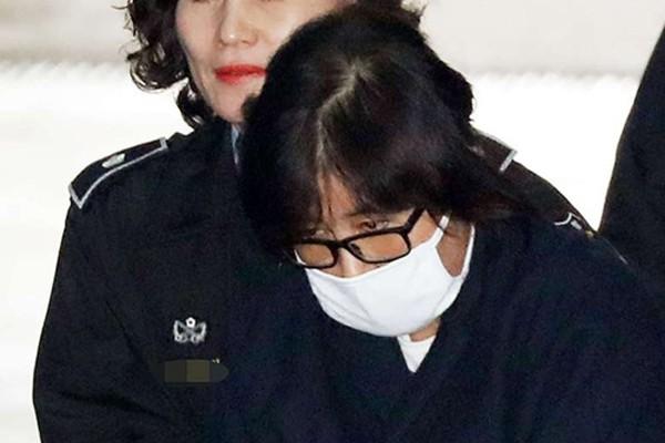 Ba lý do khiến người Hàn Quốc sục sôi vì bê bối của tổng thống - ảnh 1
