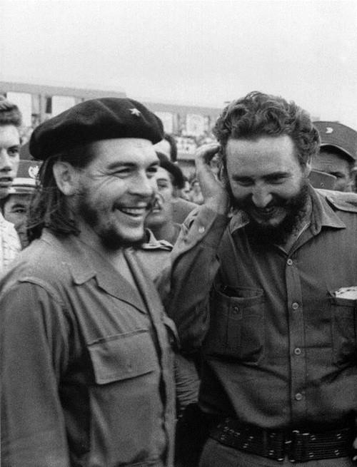 Cuộc đời lãnh tụ Cuba Fidel Castro qua ảnh - ảnh 3