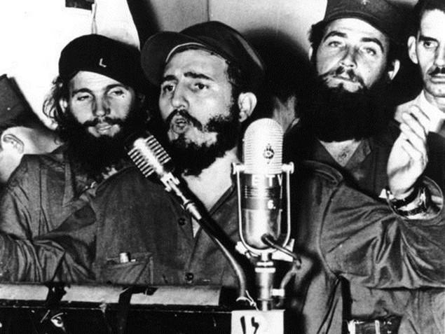 Cuộc đời lãnh tụ Cuba Fidel Castro qua ảnh - ảnh 4