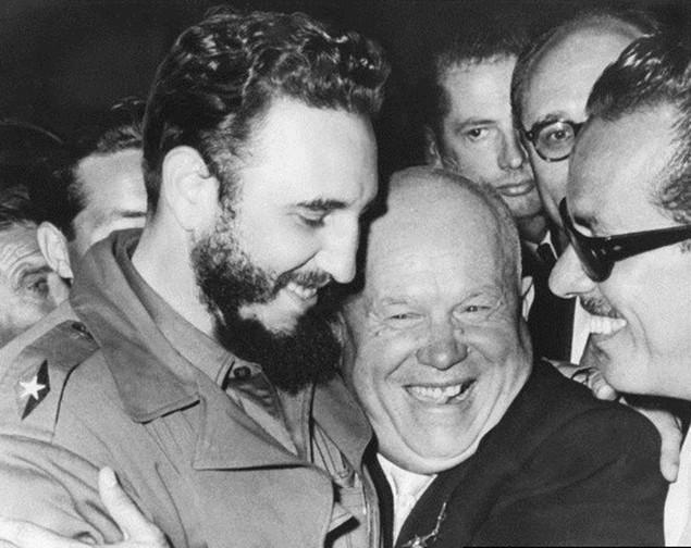 Cuộc đời lãnh tụ Cuba Fidel Castro qua ảnh - ảnh 6