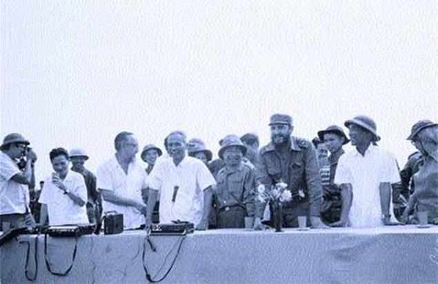 Cuộc đời lãnh tụ Cuba Fidel Castro qua ảnh - ảnh 7