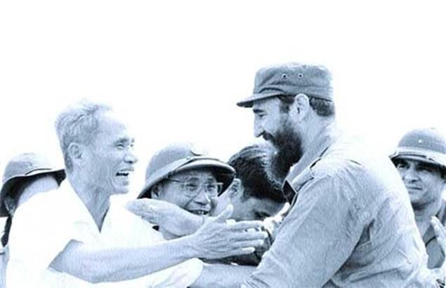 Cuộc đời lãnh tụ Cuba Fidel Castro qua ảnh - ảnh 8