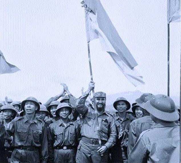Cuộc đời lãnh tụ Cuba Fidel Castro qua ảnh - ảnh 9