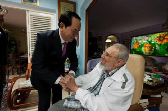 Cuộc đời lãnh tụ Cuba Fidel Castro qua ảnh - ảnh 12