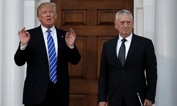 Ưu ái tướng về hưu, Trump gây lo ngại về nội các quân sự hóa - ảnh 1