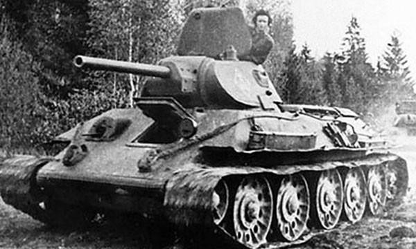 Bà góa Liên Xô lái xe tăng ra trận trả thù cho chồng - ảnh 2