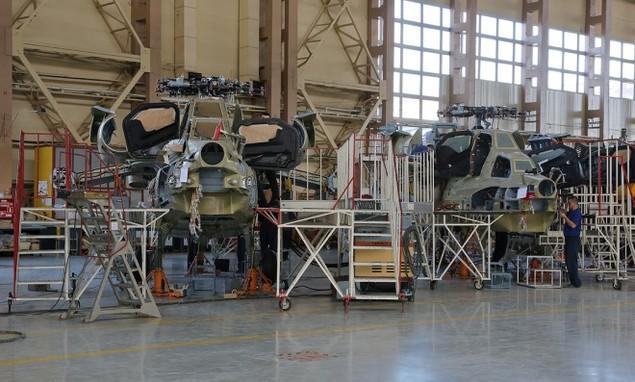 Bên trong nhà máy sản xuất trực thăng 'thợ săn đêm' Mi-28NE - ảnh 3
