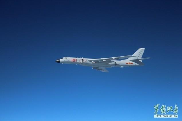 Trung Quốc bỏ ghế phóng 'tự sát' trên oanh tạc cơ H-6K - ảnh 5