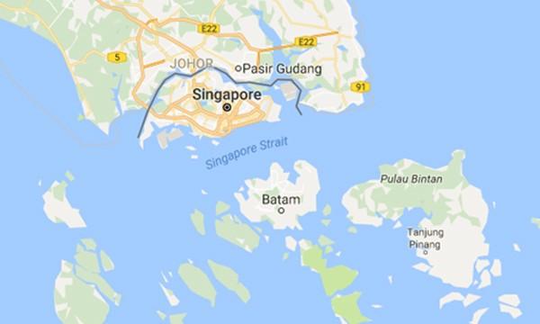 Tìm thấy nhiều phần thi thể ở nơi máy bay chở cảnh sát Indonesia rơi - ảnh 1