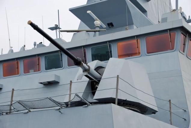 Lưới lửa trên khu trục hạm bảo vệ tàu sân bay Pháp - ảnh 3