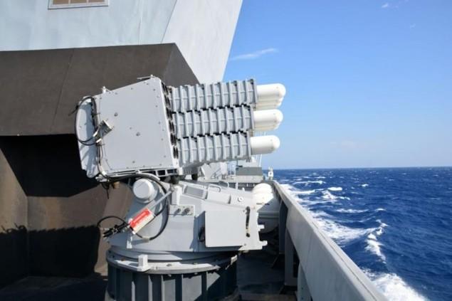 Lưới lửa trên khu trục hạm bảo vệ tàu sân bay Pháp - ảnh 7