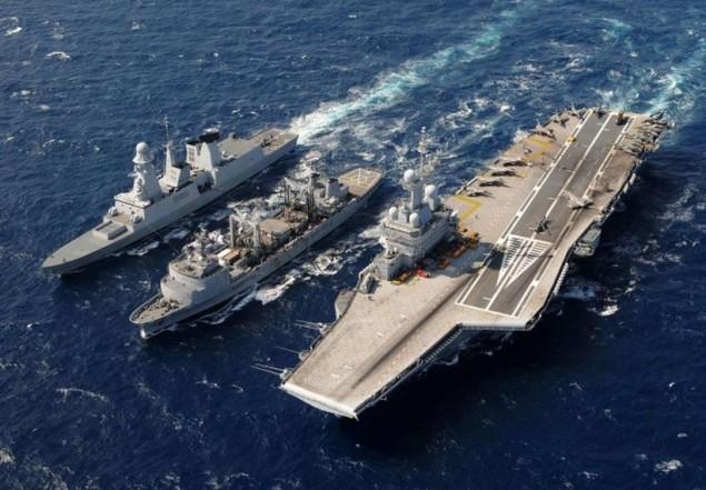 Lưới lửa trên khu trục hạm bảo vệ tàu sân bay Pháp - ảnh 12