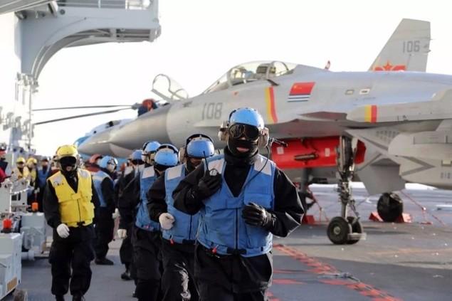 Tàu sân bay Trung Quốc lần đầu phô diễn hỏa lực hiệp đồng - ảnh 2