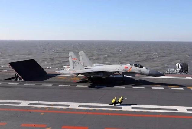 Tàu sân bay Trung Quốc lần đầu phô diễn hỏa lực hiệp đồng - ảnh 3