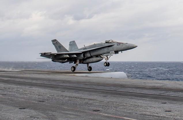 Tiêm kích Pháp, Mỹ diễn tập đổi tàu sân bay - ảnh 8